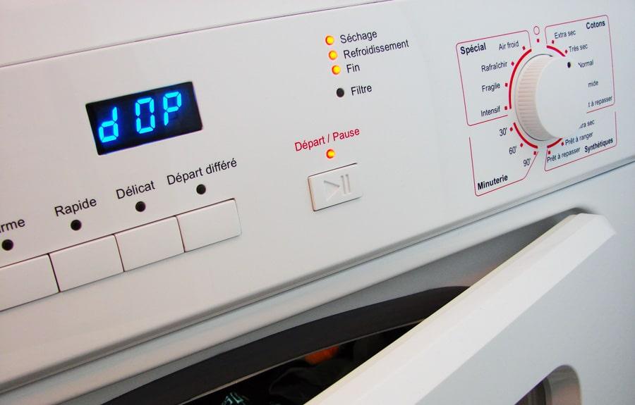 L'écran digital d'un sèche-linge