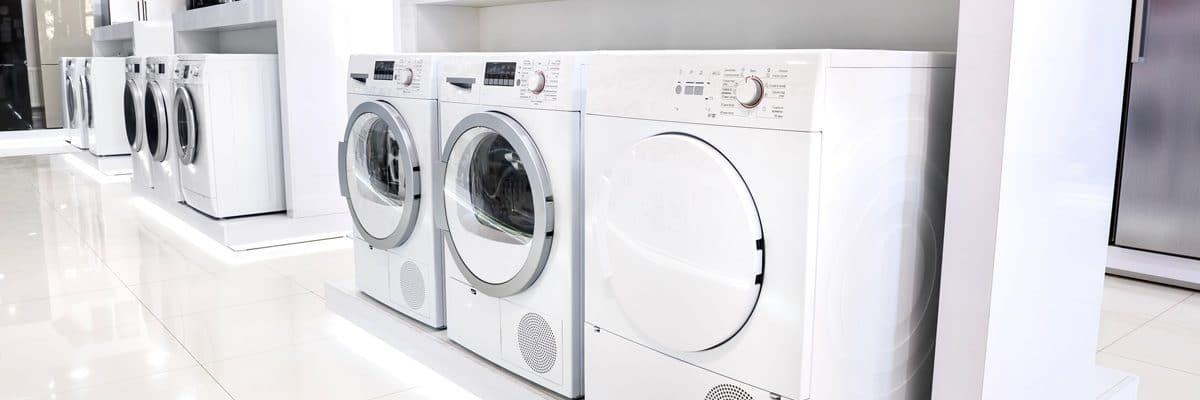 Un showroom pour faire la différence entre un sèche-linge à condensation classique et un sèche-linge pompe à chaleur