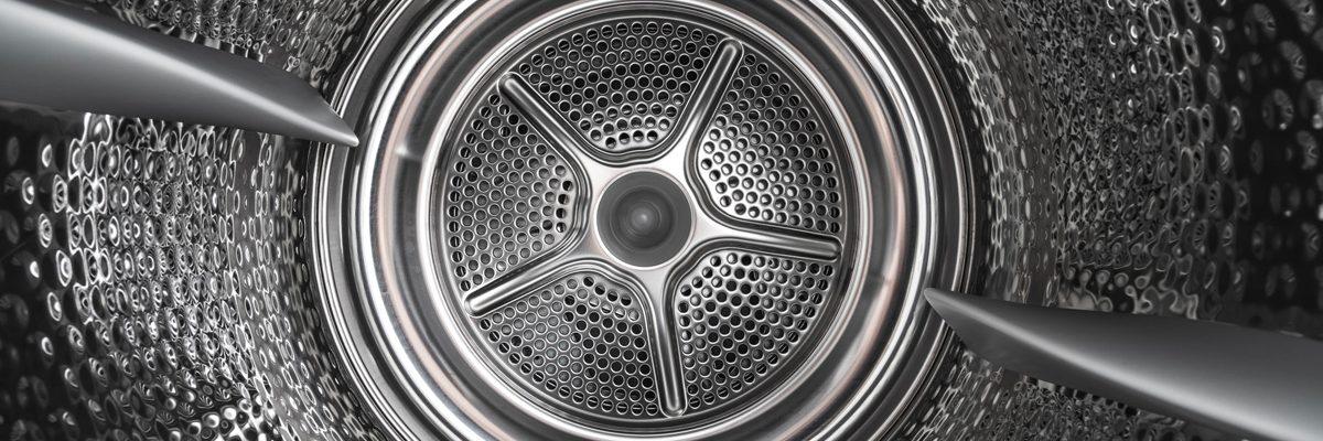 Le tambour d'un sèche-linge, impeccablement nettoyé